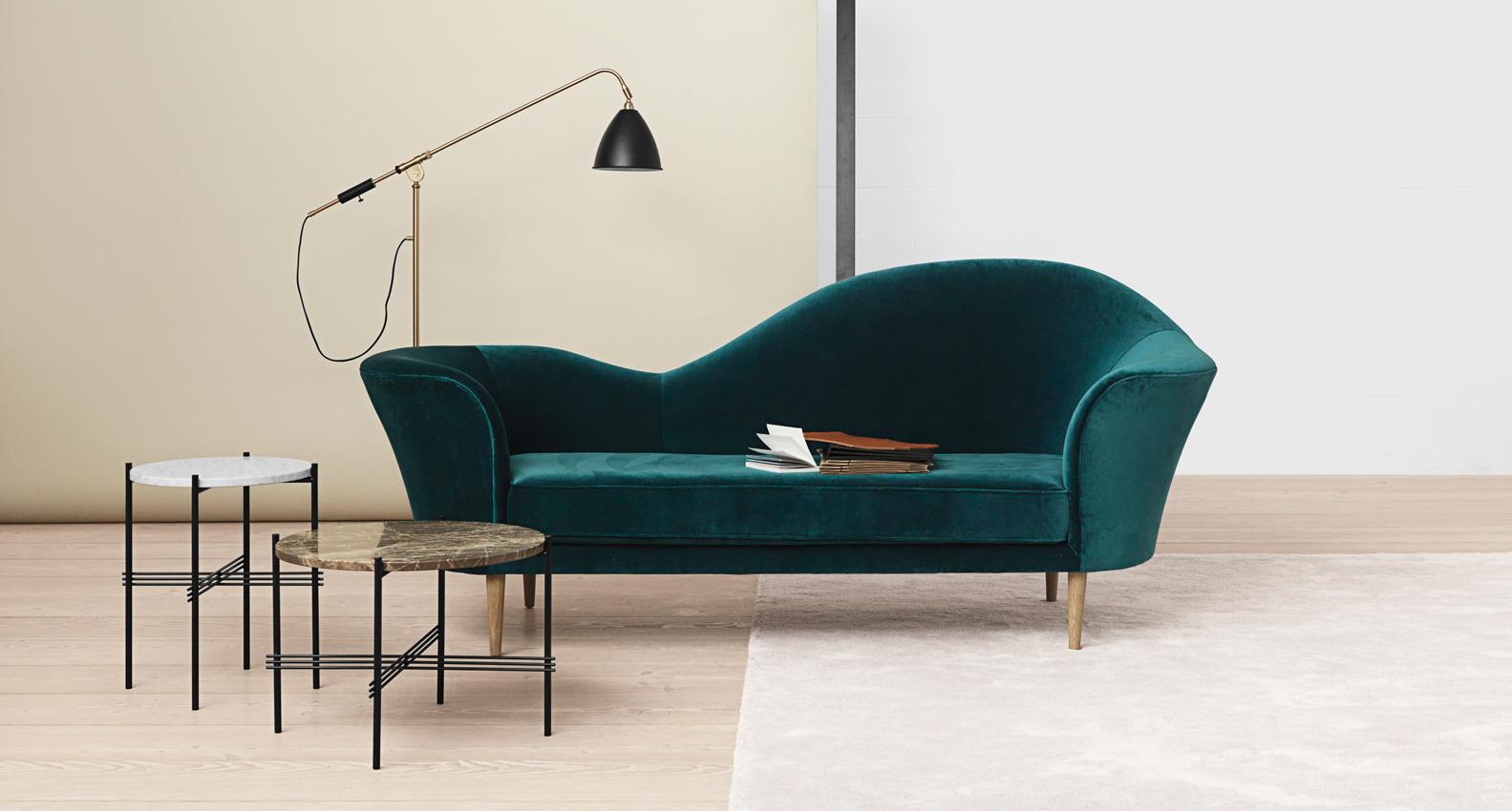Grand-piano-sofa-petroleum-velvet_Bestlite-BL4-floor-lamp-charcoal-black_brass_TS-table-white-and-brown-marble